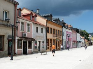City tour of Cetinje and visitin the old downtown